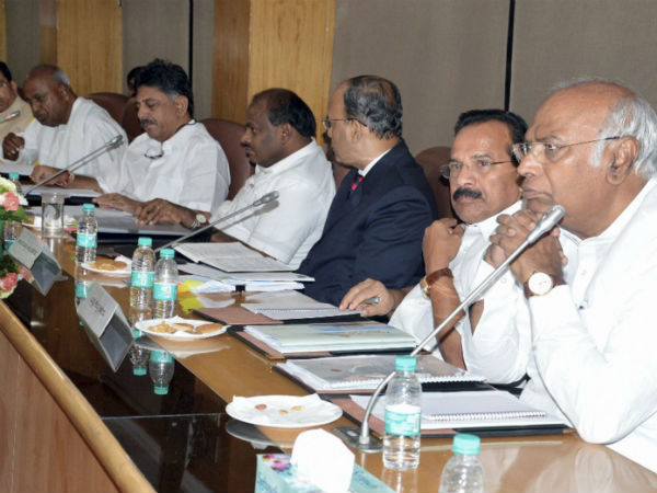 CM requested to Karnataka MPs for unity in cauvery issue