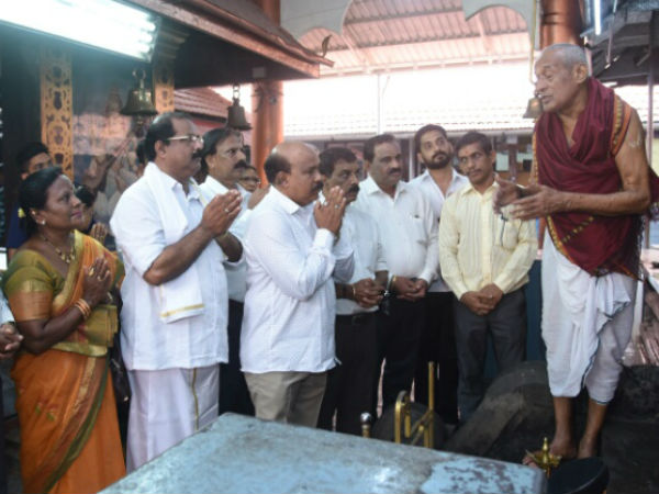 JDS holds Special pooja for HDKs Budget in Mangaluru