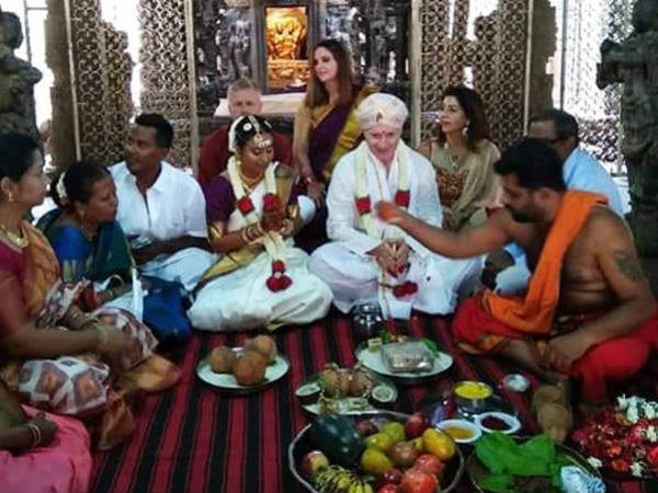 foreign groom weds Indian bride according Indian culture