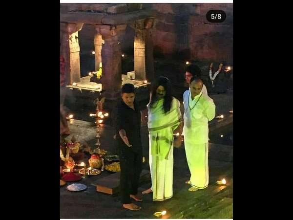 ಬಾದಾಮಿಯಲ್ಲಿ ಪುನೀತ್ ರಾಜ್ ಕುಮಾರ್ ನೋಡಲು ಮುಗಿಬಿದ್ದ ಅಭಿಮಾನಿಗಳು