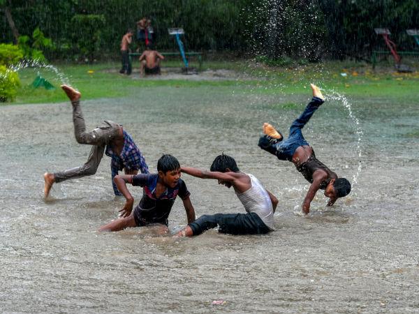 In Pics Heavy Rain Lashes New Delhi