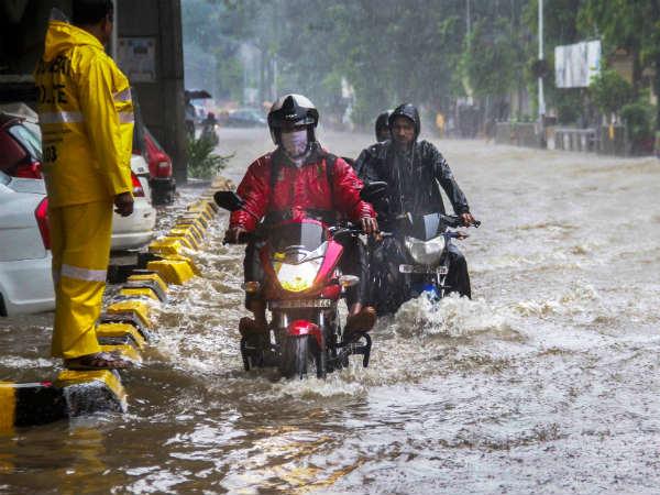 On Cctv Woman On Bike Dies After Hitting Pothole Near Mumbai