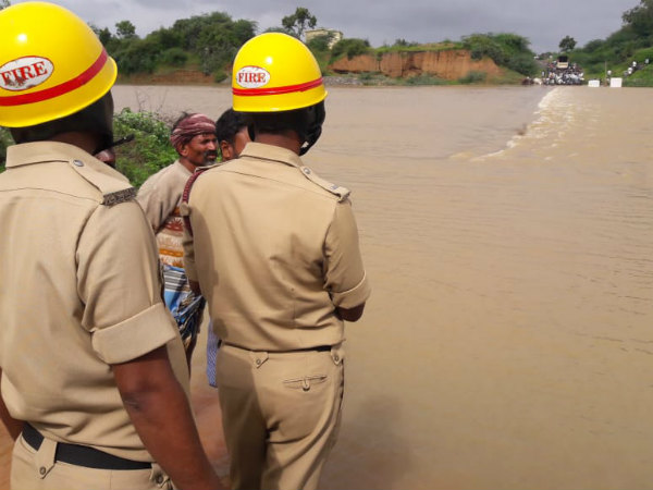 Lorry washed away in river near Haveri