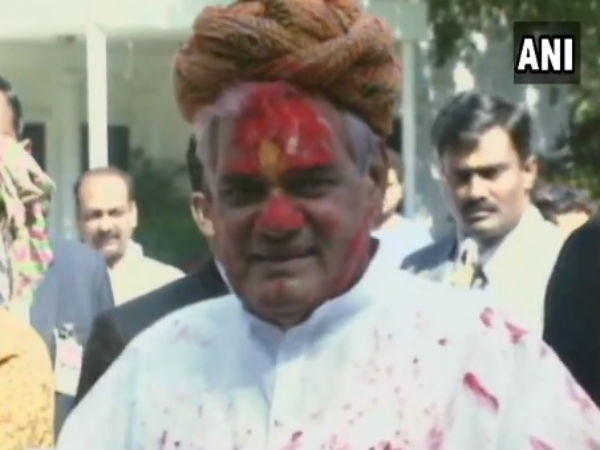 Rare video of Former PM Atal Bihari Vajpayee dancing
