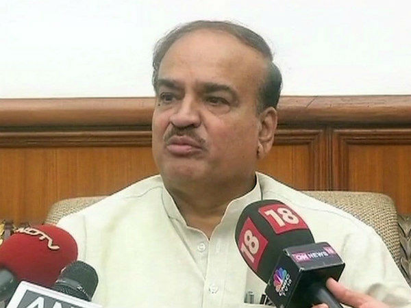 ananth kumar called for movement for triple talaq