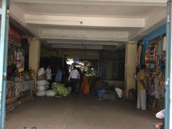 Vegetables are not coming to the Mangalore market on time