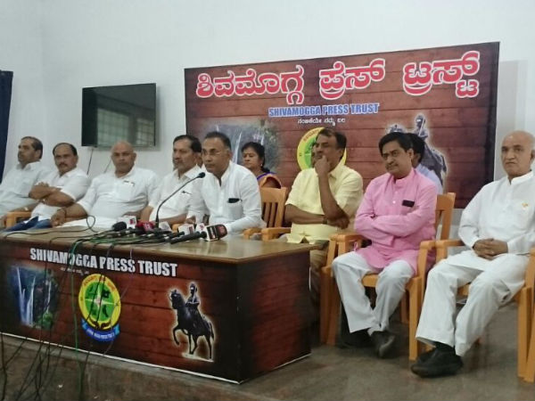 Dinesh Gundurao said central government administration failed in all areas