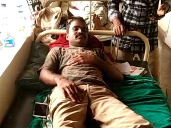 Forest guard attacked by wood mafia in Gundya