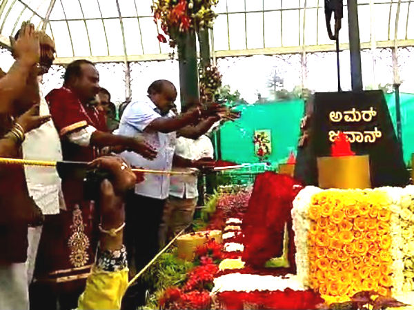 CM appeals to visit famous flower show at Lal bagh
