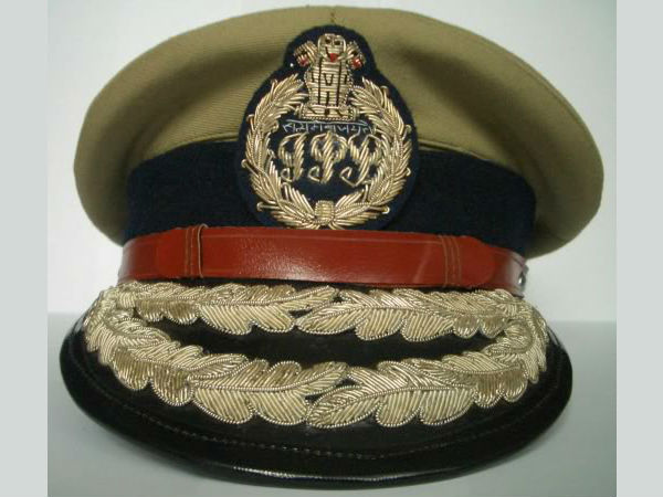 Government transfers 10 IPS officers