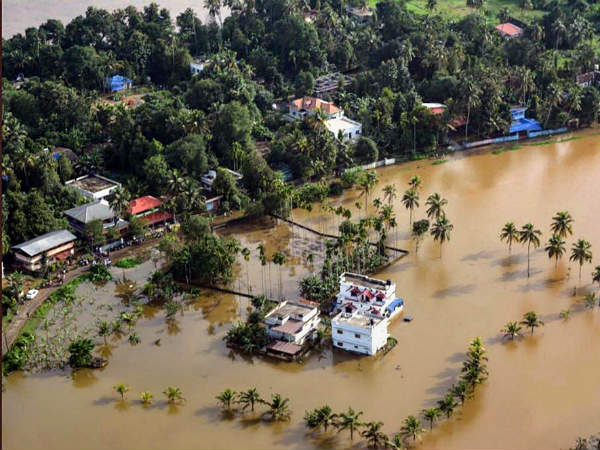 Kerala floods: Telecom operators offer free services for 7 days in state