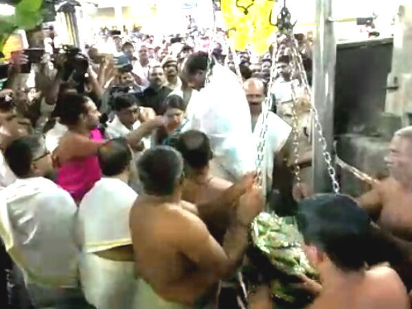 CM Kumaraswamy and family visited Kukke Subrhamanya, offered prayer