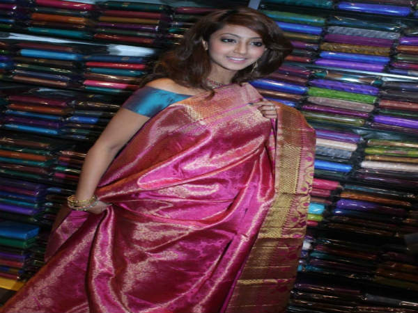 a8efdfb327b KSIC offer for Independence day  Silk sarees sale at 50% discount