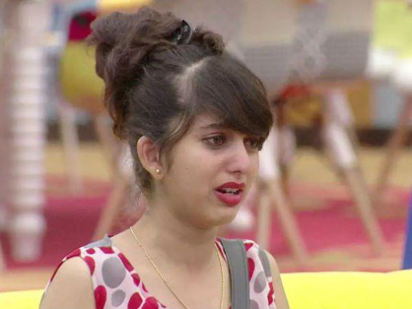 Bigg Boss Doll Niveditha Gowda has been weeping as an excuse