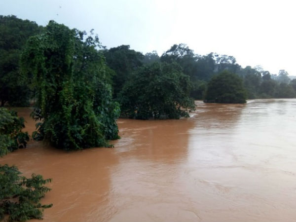 kodagu flood people shifting their homes to relief camps