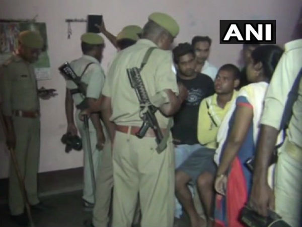 Police Recovered 5 Bodies Of A Family In Allahabad