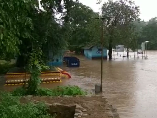 Hosmata Bridge connecting Kukke Subramanya again submerged in flood water
