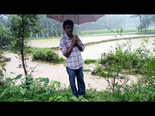 ಹರಿಹರಪುರ ನದಿಯಲ್ಲಿ ಸಿಲುಕಿ ಒದ್ದಾಡಿದ ಎಮ್ಮೆ, ಮುಳುಗಿದ  ಸೋಂಪುರ ಸೇತುವೆ