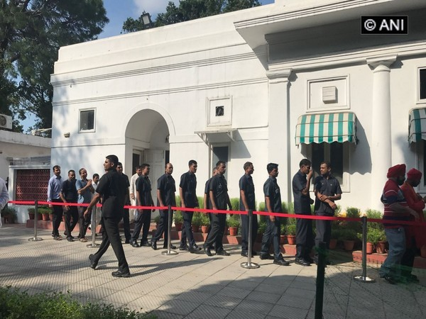 spg personnel offered homage to vajpayee