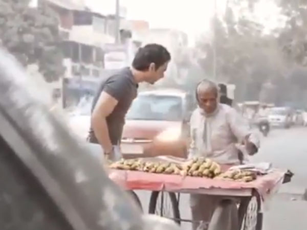 Viral Video Old Man Selling Banana And Humanity Of A Young Man