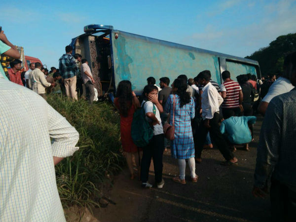 More than 10 people were injured private bus accident