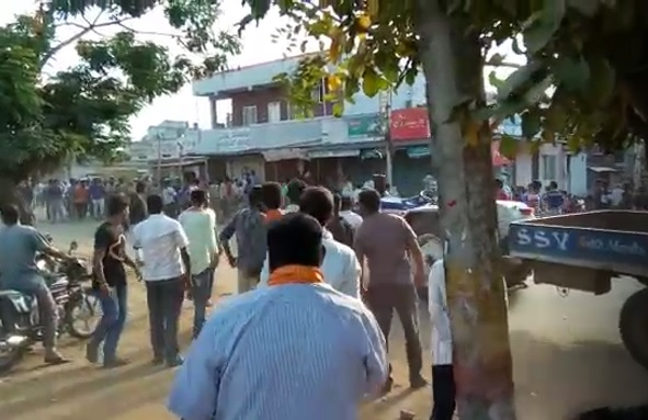 Stone pelting in Tarikere while Ganesha procession