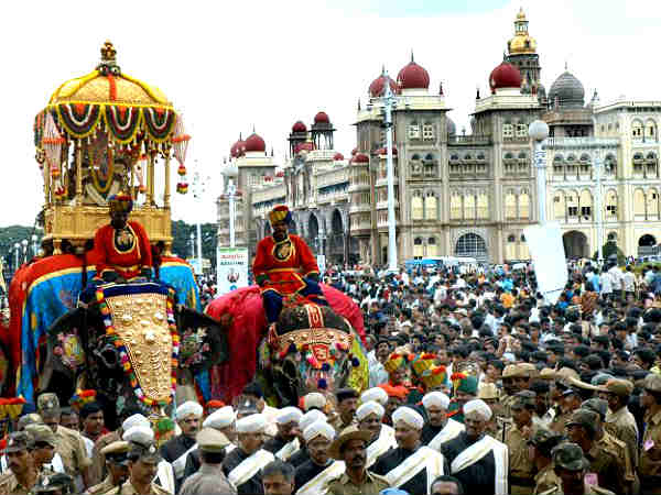 14 days Dasara holidays for students this year