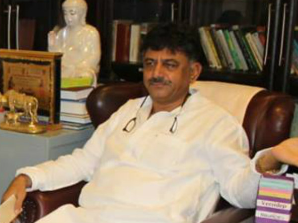 DK Shivakumar going to Delhi and meeting senior Lawyers