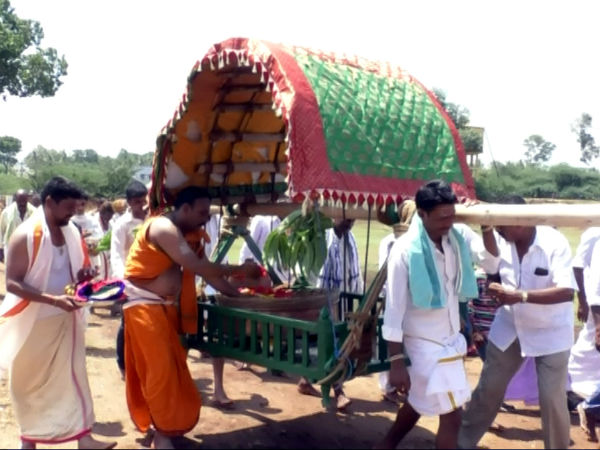 Entire village celebrates Gowri Habba together in Kuderu grama