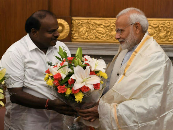 HDK led state delegation sought PM Modi for Rs2k crores for flood and drought relief
