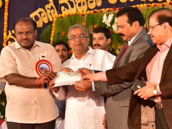 CM inaugurates photography exhibition in Mysuru