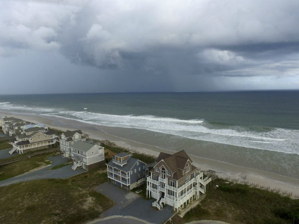 Hurricane Florence: Rescues in North Carolina as storm makes landfall