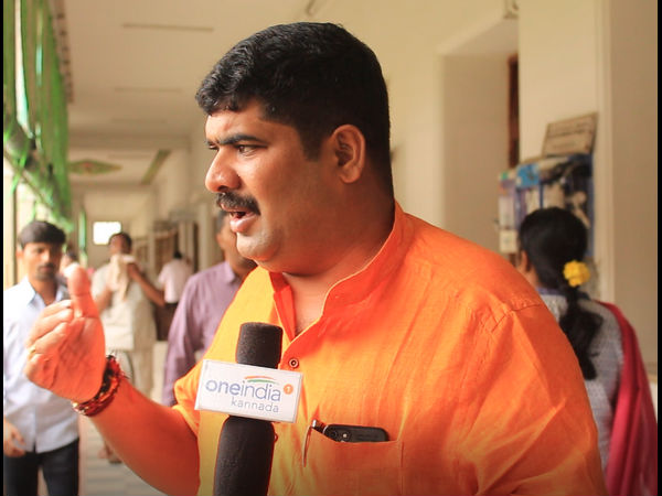 Vedavyas Kamath said Dasara Holiday should not be cut short in Mangaluru