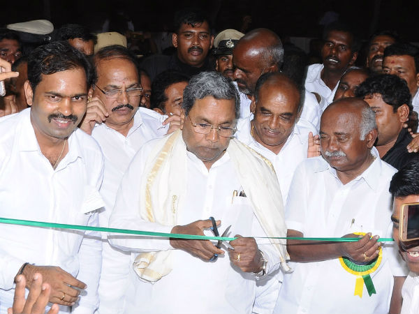 Siddaramaiah and H Vishwanath did not talk to each other