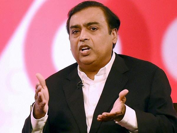 Reliances Mukhesh Ambani earns Rs 300 crore per day!