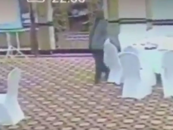 Pakistani administrative service official caught stealing Kuwaiti delegate's wallet on CCTV