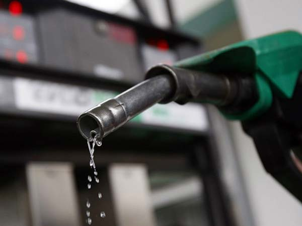 Petrol prices soars high, Rs.87.89 per litre in Mumbai: Check today's rate