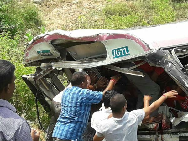 Telangana: many killed in a bus accident in kondagattu