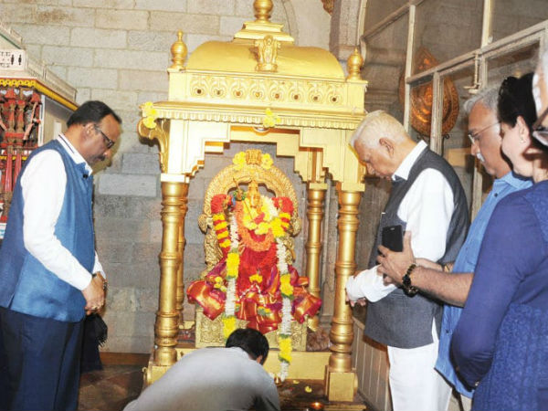 Governor Vajubhai Vala visited the palace of Mysore with family
