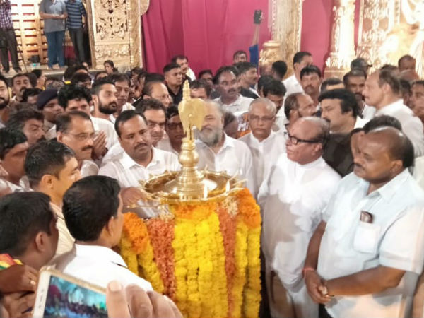 ಮಂಗಳೂರು ದಸರಾ: ಕುಮಾರಸ್ವಾಮಿ, ದೇವೇಗೌಡರನ್ನು ಕೊಂಡಾಡಿದ ಜನಾರ್ಧನ ಪೂಜಾರಿ
