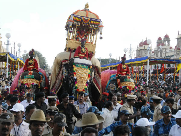 Jamboo Savari and Panju Kavayathu are arranged to be viewed through the LED