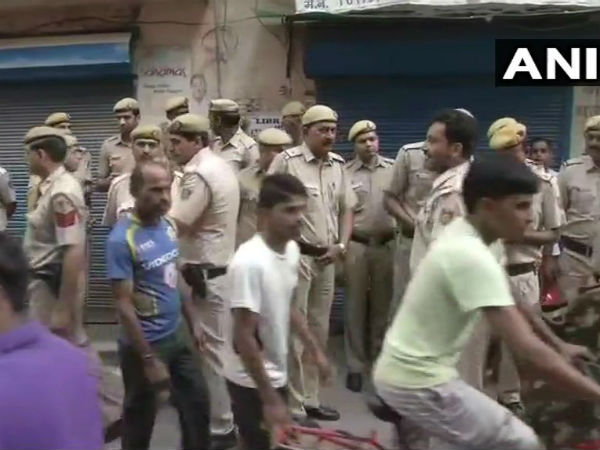 3 members of a family found dead in Delhi: Police suspect it is a murder