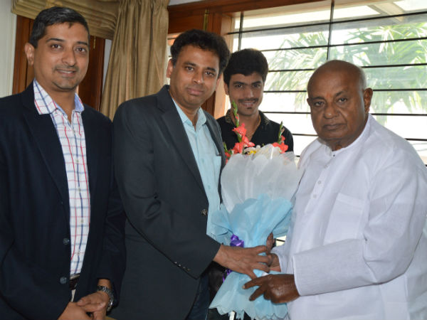 Devegowda will be paying tribute to Basava statue in London