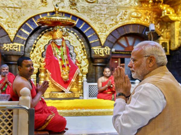 ಶಿರಡಿ ಬಾಬಾ ಆಶೀರ್ವಾದ ಪಡೆದು ಕಾಂಗ್ರೆಸ್ ವಿರುದ್ಧ ಕಿಡಿ ಕಾರಿದ ಮೋದಿ