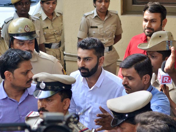 Mohamed Nalapad arrested by Bengaluru police for protesting