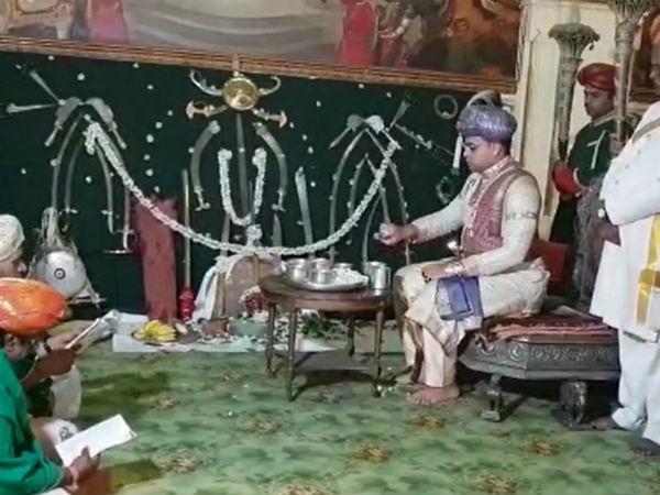 ಮೈಸೂರಿನ ಅಂಬಾವಿಲಾಸ ಅರಮನೆಯಲ್ಲಿ ಧಾರ್ಮಿಕ ಪೂಜಾ ಕೈಂಕರ್ಯಗಳು ಆರಂಭ