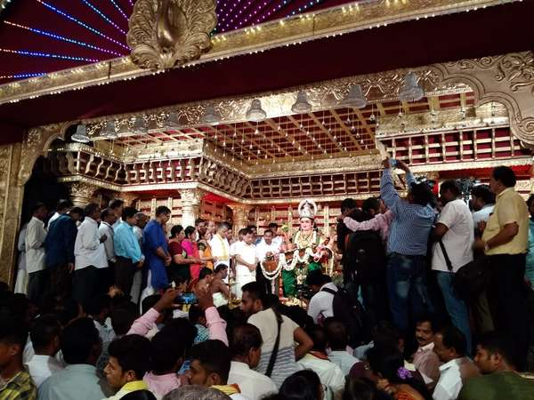 vaMangalore Dasara Festival has got a grand start todayaMangalore Dasara Festival has got a grand start today
