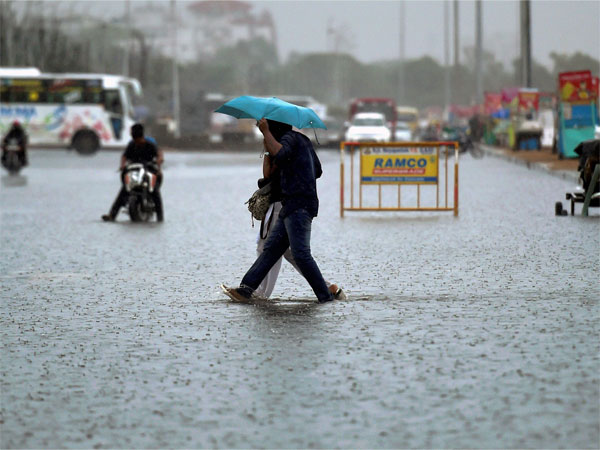 Andhra Pradesh and Odissa will het by cyclone Wednesday