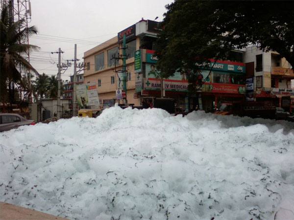 Residents worried toxic foam spews in Varthur lake again