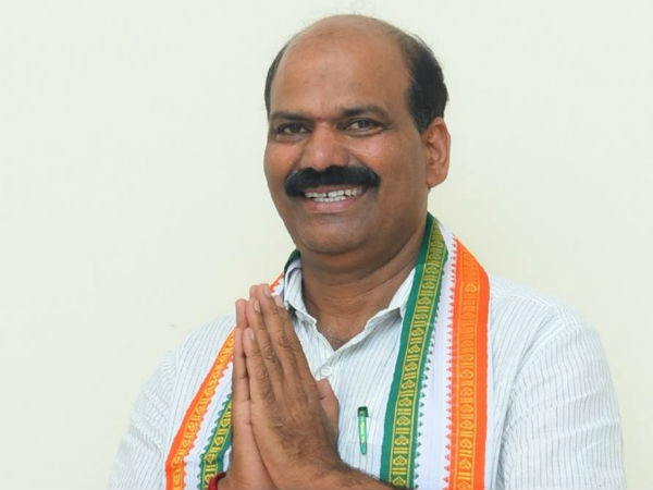 BJP offers 50 crore and minister post says Sringeri Congress MLA